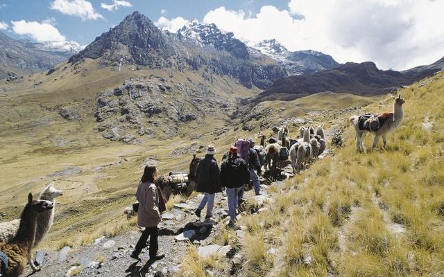 Wanderung in der Bergwelt Perus