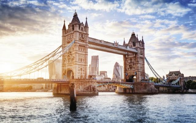 Sonnenuntergang an der Tower Bridge