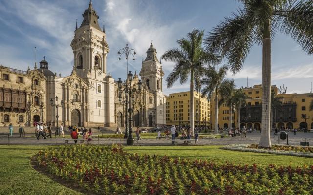 Der Hauptplatz in Lima, die Plaza de Armas