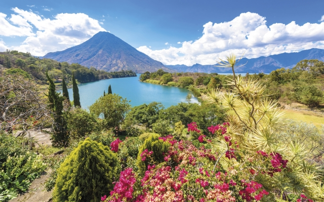 Am Aitilán-See in Guatemala