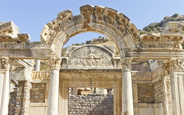 Tempel des Hadrian in Ephesos