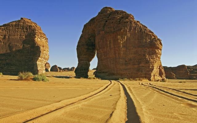 Der imposante Elephant Rock bei Al Ula, 52m hoch