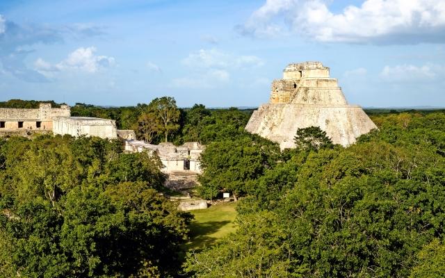 Ausgrabungsstätte Uxmal mit Pyramiden